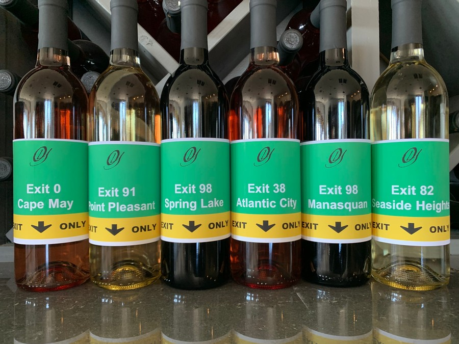 Customize your own special wine label.
