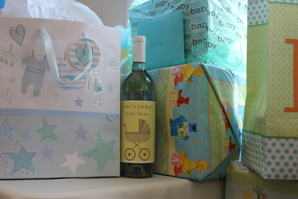 Customize a wine label for your guests